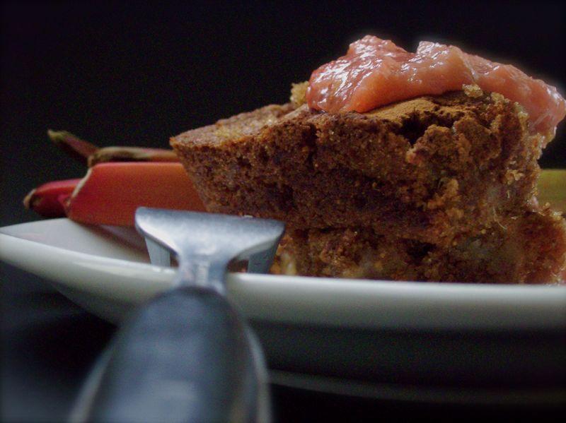 Rhubard cake with sweet rhubard compote 3